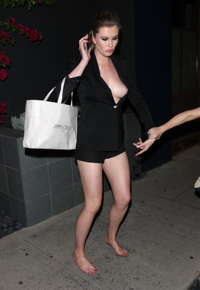 Ireland Baldwin Drunk Ireland Baldwin Wardrobe